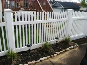 Vinyl Fences by Discount Fence in Connecticut